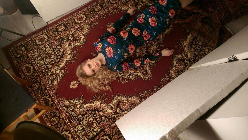 Perzische tapijten fashion editorial backstage